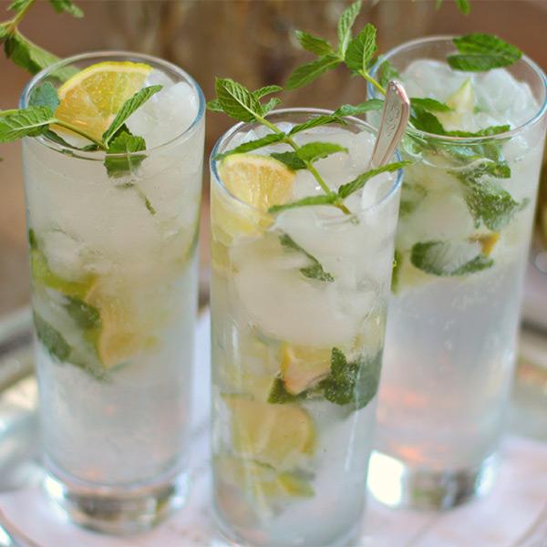 Prosecco Mojito cocktail