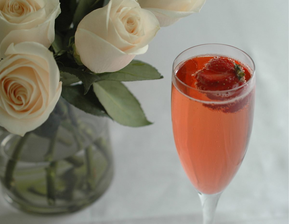 Rose ecco a romantic valentine cocktail for Cocktail rose